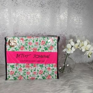 🆕 Betsey Johnson Checkered Flower Cal King Sheets